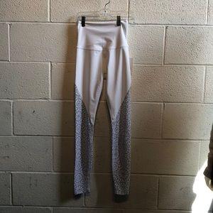 Beyond Yoga Pants - Beyond yoga white hi waist legging sz xs 59923 NWT